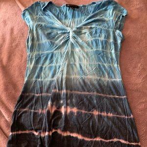 tie-dye blue top
